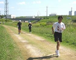 右はサブスリーランナーの村田さん