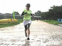 若きママの華麗な走り!