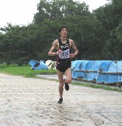 男子1位の平池さんの走り