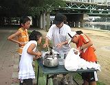 給水エイドに集まった子どもたち